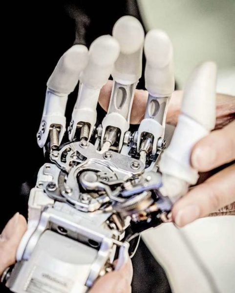implant de membres robotiques